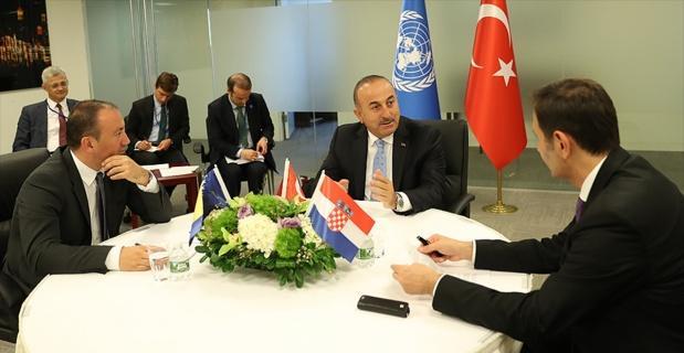 Bakan Çavuşoğlu New York'ta yoğun diplomasi trafiği yürütüyor