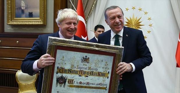 Cumhurbaşkanı Erdoğan ve Başbakan Yıldırım Johnson'ı kabul etti
