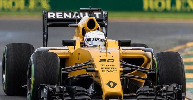 Formula 1'de yangın paniği