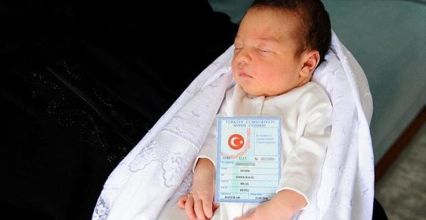 Şehit Ömer Halisdemir'in ismi 251 bebeğe verildi