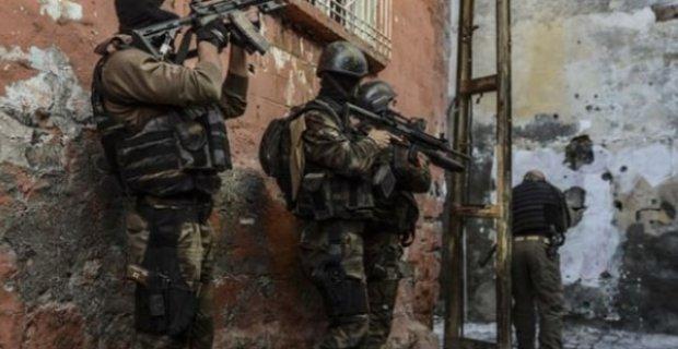 Belediye Başkanı'na suikast için gelen 2 PKK'lı öldürüldü