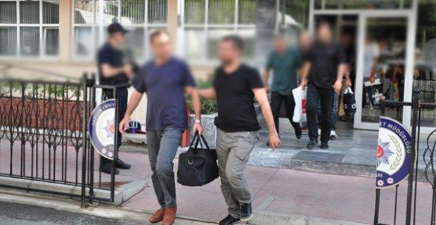 'ByLock' kullanan 14 öğretmen gözaltına alındı