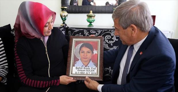 CHP'den 15 Temmuz şehitlerinin ailelerine ziyaret