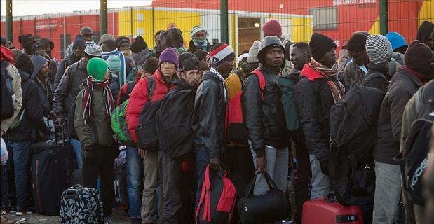 Jungle sığınmacı kampından 4 bin kişi tahliye edildi