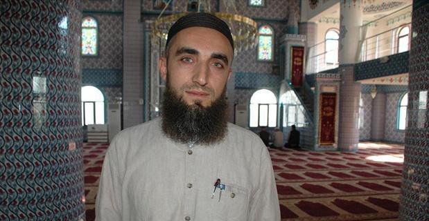 Sela okuduğu için darbedilen imam adalet peşinde
