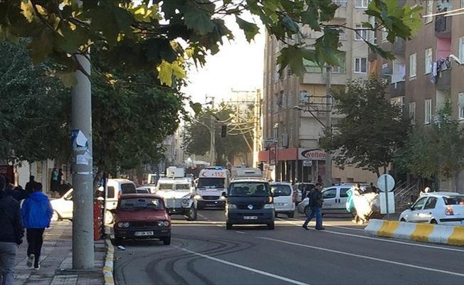 Diyarbakır'da Emniyet Müdürlüğü yakınında patlama