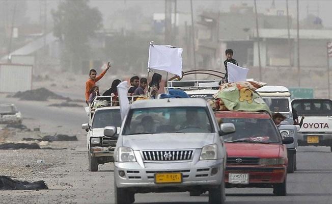 Musul'da çatışma ortasında kalan siviller kaçıyor