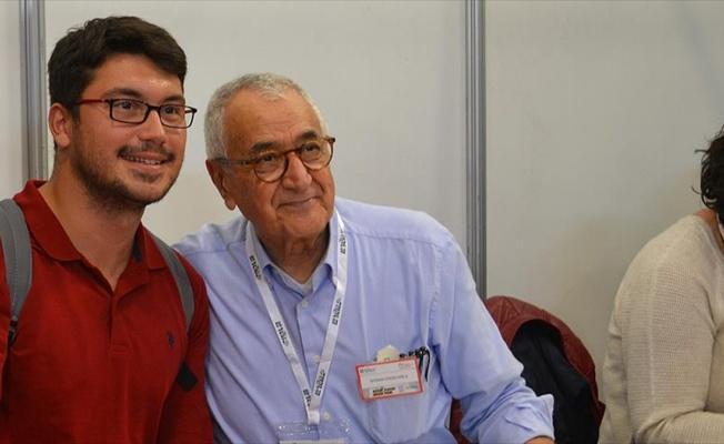 Ünlü yazarlar İstanbul Kitap Fuarı'nda okurlarıyla buluştu