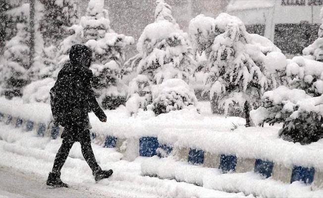 Ankara ve 7 ilde okullara kar tatili
