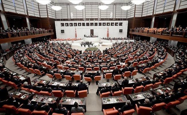 Emekli ikramiyesi ödemesini düzenleyen tasarı komisyonda kabul edildi
