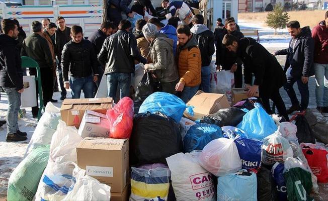 Öğrenciler harçlıklarını Halep'e gönderdi