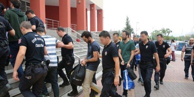 5 ilde, görevden alınan 17 polis gözaltına alındı
