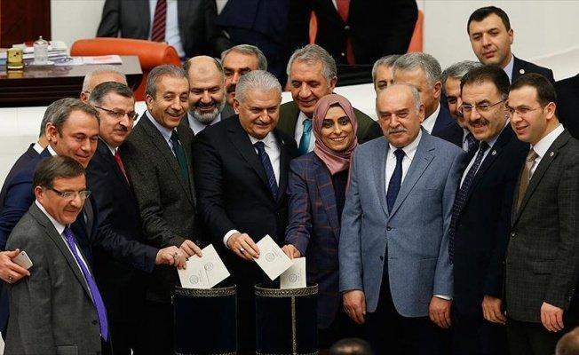 Anayasa değişikliği teklifinin 18. maddesi kabul edildi