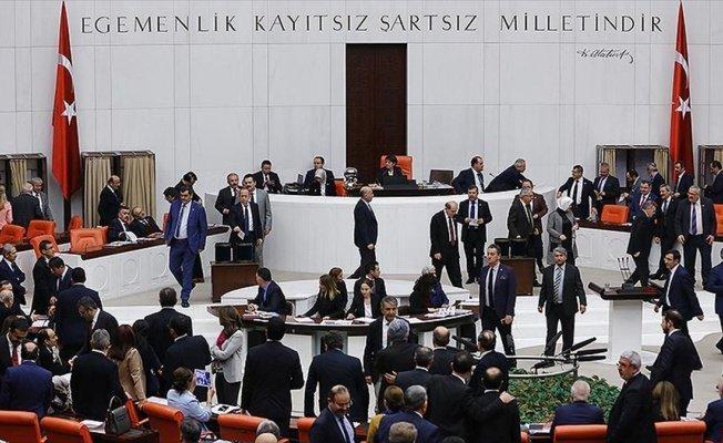 Anayasa değişikliği teklifinin 2. turunda ilk gün 7 madde kabul edildi