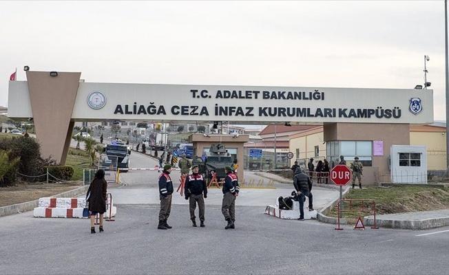 İzmir'de FETÖ'nün darbe girişimi davasında ilk oturum tamamlandı