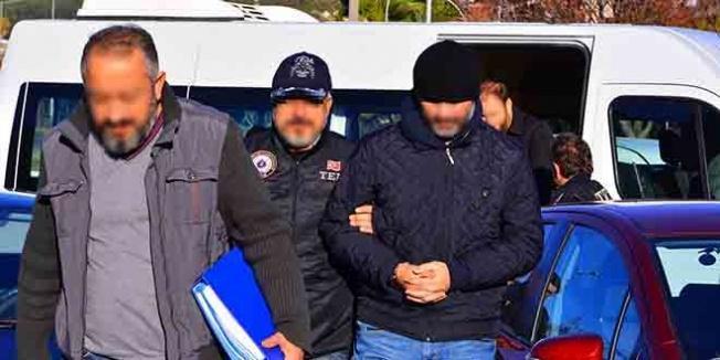 Manisa eski Gıda Tarım İl Müdür Yard. ile eşi gözaltına alındı