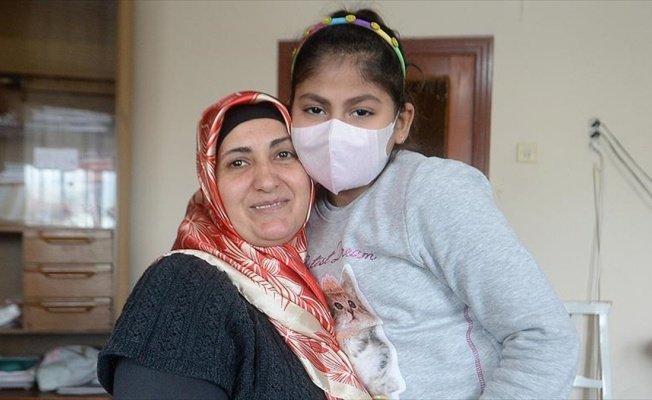İki çocuğunu kaybeden anne kızı için mücadele ediyor