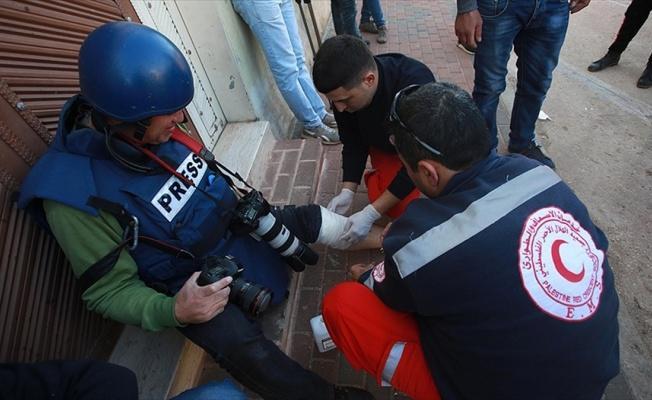 AA serbest foto muhabiri Batı Şeria'da ayağından yaralandı