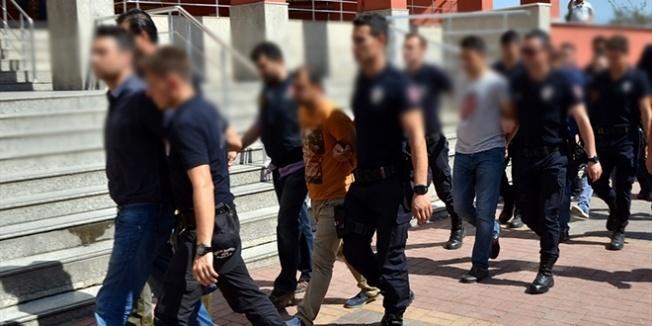 Giresun'da ihraç edilen 5 öğretmenden 3'ü tutuklandı