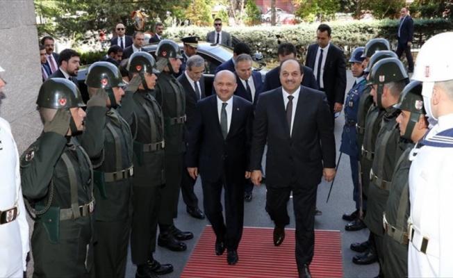 Milli Savunma Bakanı Işık, Katar Savunma Bakanı El-Atiyye ile görüştü