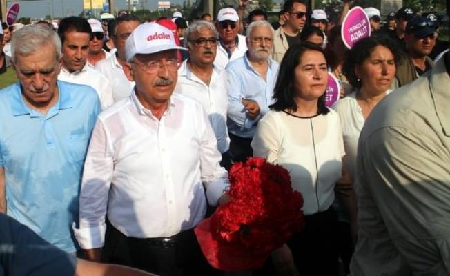 CHP'ye anket şoku! Kılıçdaroğlu geri adım attı