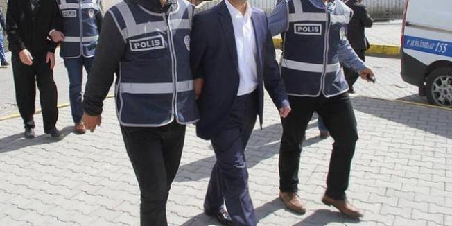 Kamu'da aktif çalışan 10 kişiye FETÖ'den gözaltı