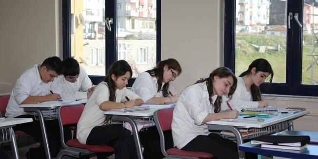 MEB: Başarılı olup, devamsızlıktan kalan öğrenci mezun olacak