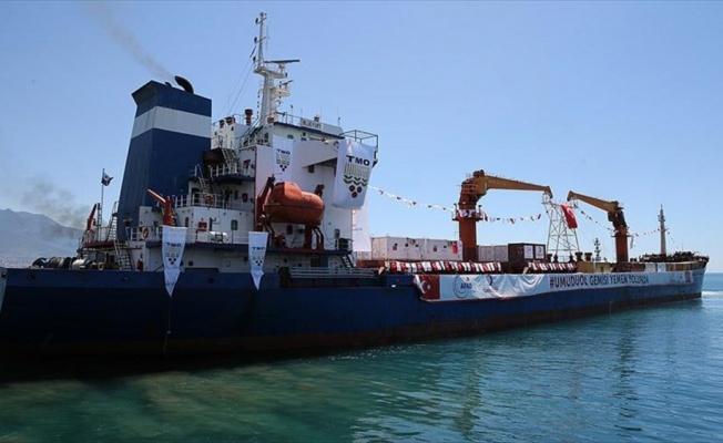 Yemen'e insani yardım taşıyan gemi yola çıktı