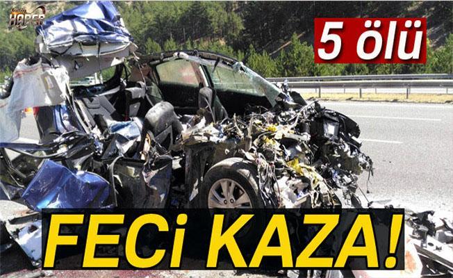 Otomobil tıra çarptı: 5 ölü