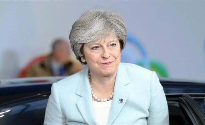 İngiltere Başbakanı May'e suikast planı engellendi