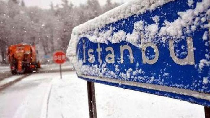 İstanbul'da beklenen kar yağışı etkili oldu