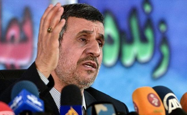 Ahmedinejad'a eski kabinesinden 'ülkeyi karıştırma' suçlaması