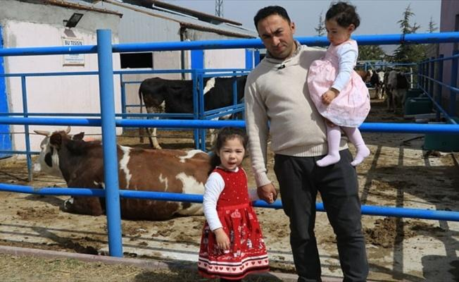 Şehir hayatını bırakıp köyünde hayvancılık yapıyor