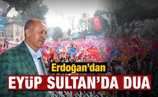 Erdoğan'dan Eyüp Sultan'da dua
