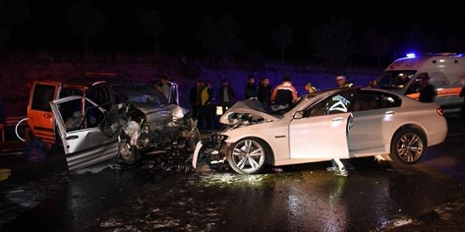 Bartın'da iki otomobil çarpıştı: 2 ölü, 5 yaralı