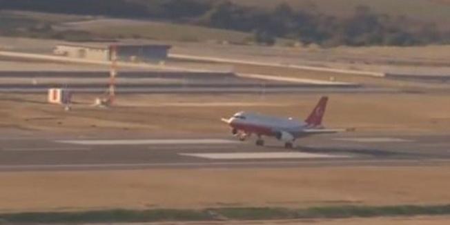 Erdoğan'ı taşıyan uçak İstanbul Yeni Havalimanı'na indi