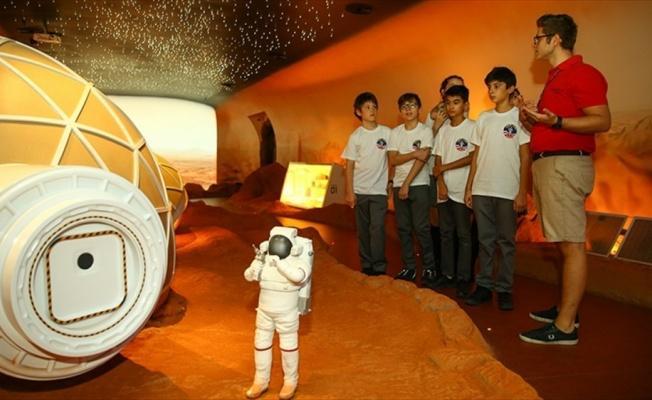 Uzay meraklısı çocuklar Mars'ı Türkiye'de keşfedecek