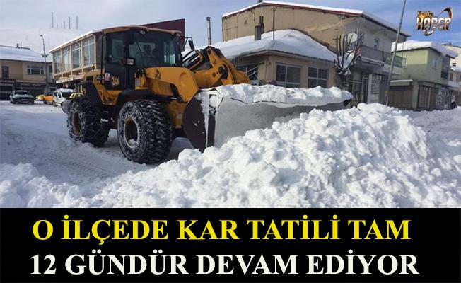 O ilçede aşırı kar yağışı yüzünden12 gündür okullar kapalı.