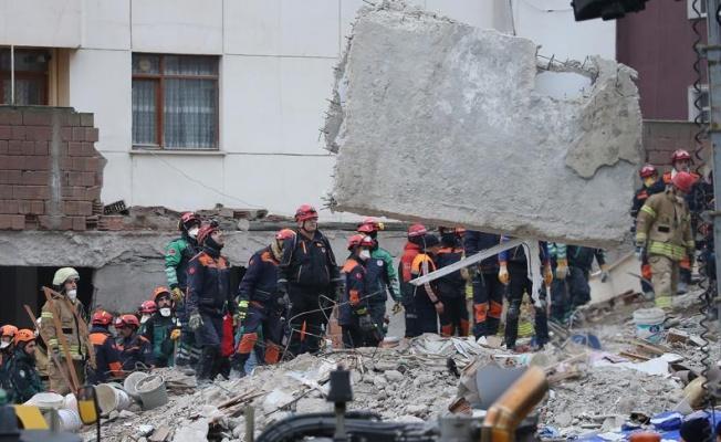 Kartal'da çöken binanın enkazından 3 kişinin daha cesedi çıkarıldı