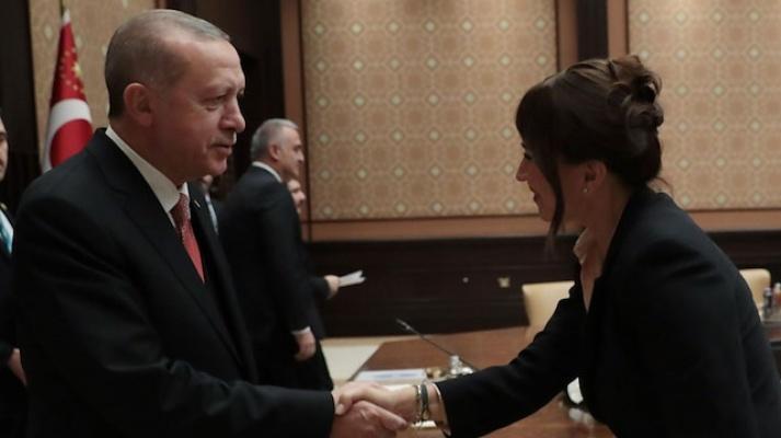 Erdoğan'dan Demet Akbağ'a taziye telefonu.