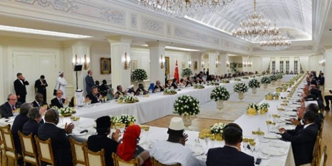 Cumhurbaşkanı Erdoğan, yabancı konukları onuruna yemek verdi