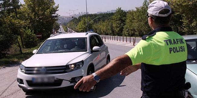 Ehliyetsiz sürücüye 4 bin TL para cezası