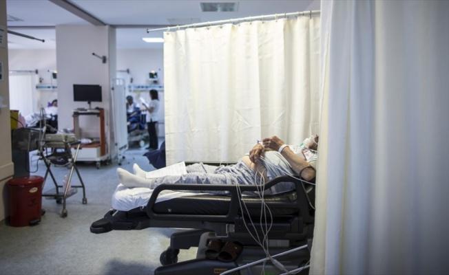 Acillerde bir gecede 51 bin hastaya hizmet