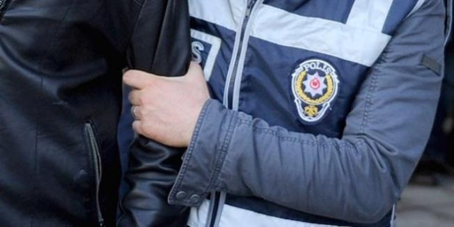 FETÖ'den aranan yüzbaşıya nüfus müdürlüğünde gözaltı