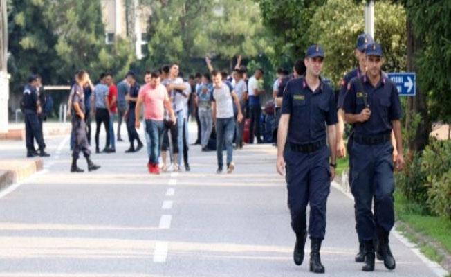 Sakarya'da görevli 58 asker erken terhis oldu