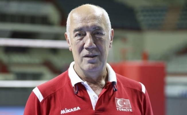 A Milli Erkek Voleybol Takımı Başantrenörü Özbey: İyi bir dereceyle ülkemizi sevindirmek istiyoruz