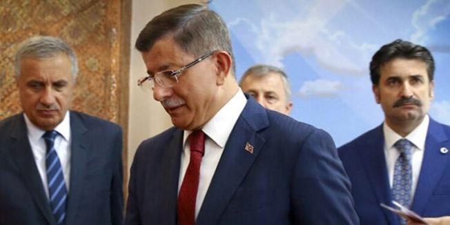 Ak Parti milletvekili'nden Davutoğlu çıkışı: Kovulduktan sonra istifa ediyorum
