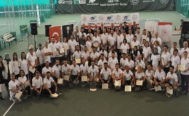 Başarılı tenisçileri de öğretmenler yetiştirecek