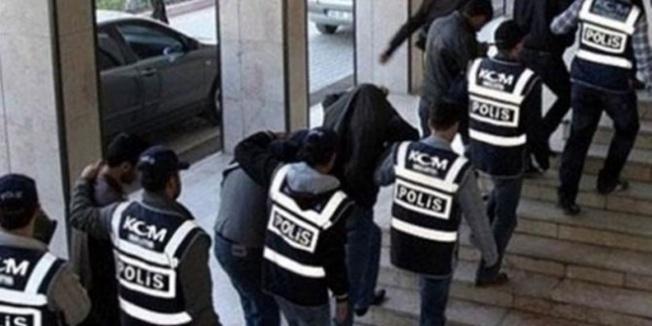 Barış Pınarı Harekatı'yla ilgili propaganda yapan kişilere gözaltı…