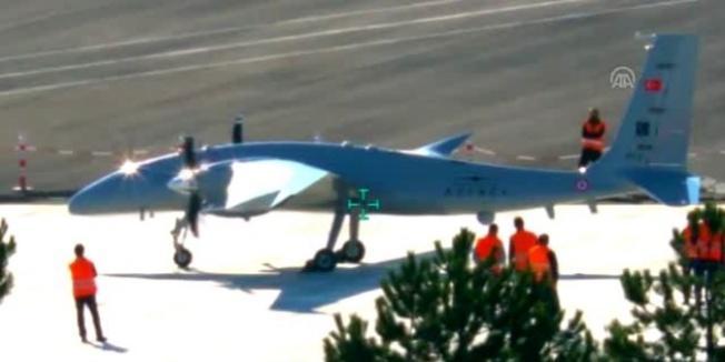 Gelişmiş yapay zekalı Akıncı TİHA, ilk uçuş testini gerçekleştirdi